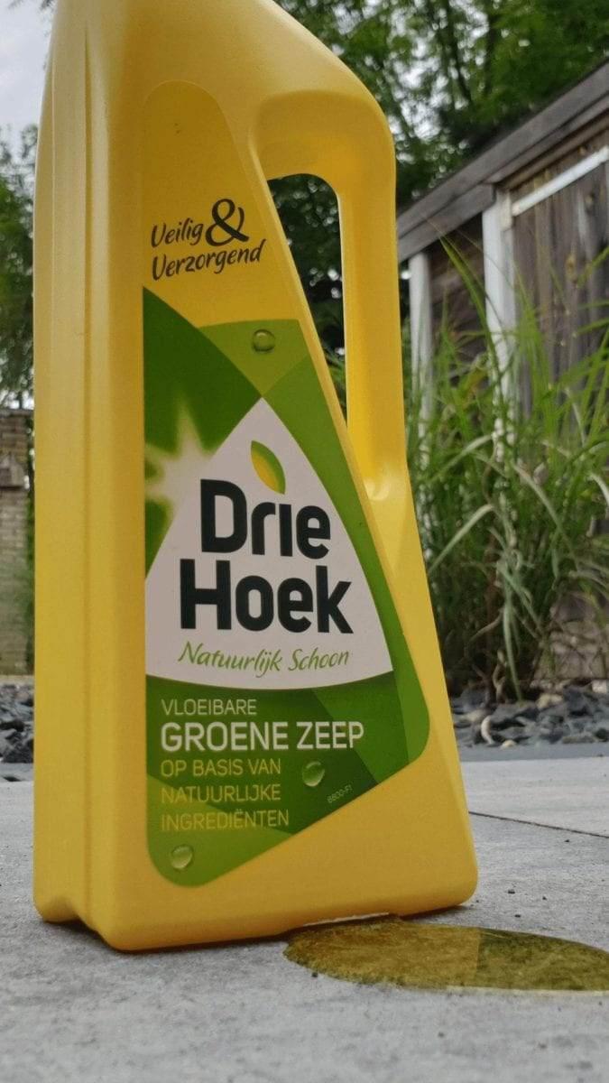 groene-zeep-om-tegels-mee-schoon-te-maken